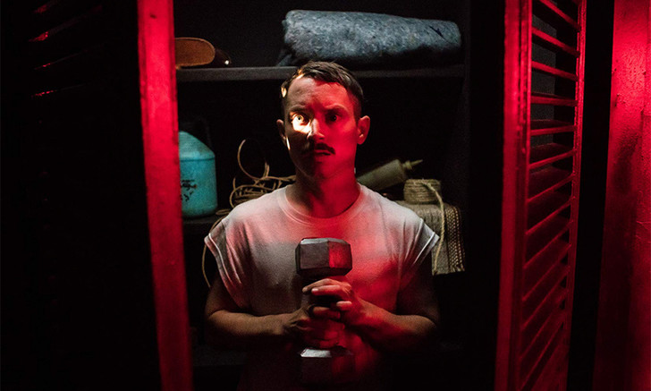 Фото №1 - MAXIM рецензирует триллер с Элайджей Вудом «Иди к папочке»