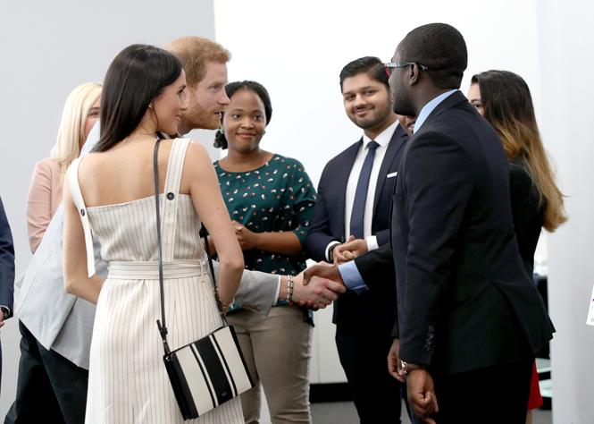 Фото №8 - Меган Маркл и принц Гарри посетили Молодежный форум Содружества