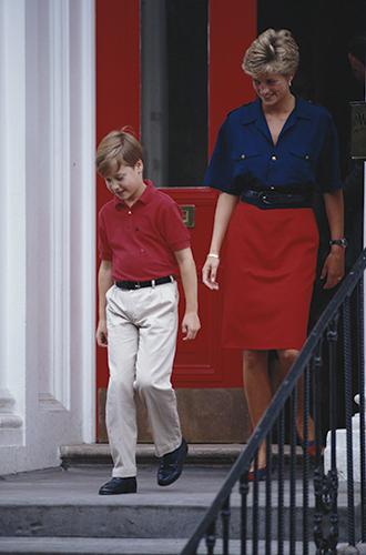 Фото №66 - 60 красных нарядов: как принцесса Диана носила любимый цвет