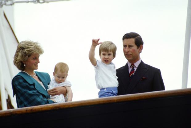 Фото №3 - Почему принцесса Диана скрывала пол Гарри во время беременности