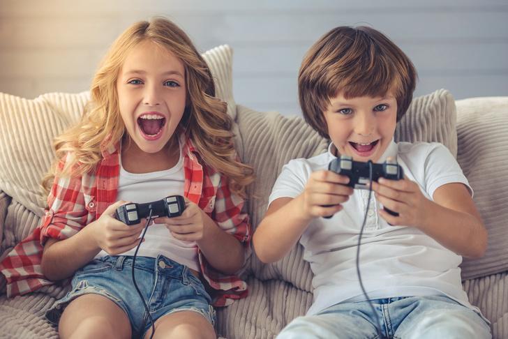 Фото №1 - Чем детям на самом деле полезны компьютерные игры: мнение психолога