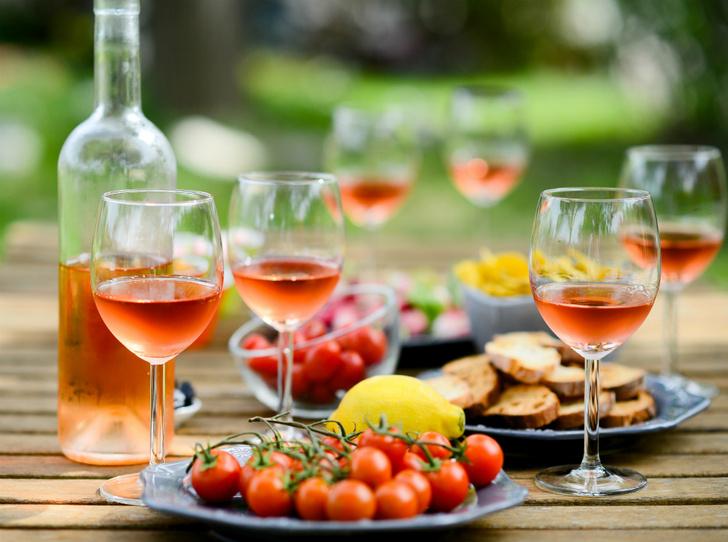 Фото №3 - Pink of perfection: полный гид по розовому вину
