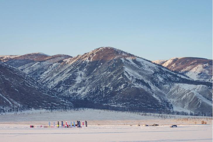 Фото №2 - По толстому льду: как прошли «Байкальская миля» и «Дни скорости на льду Байкала»