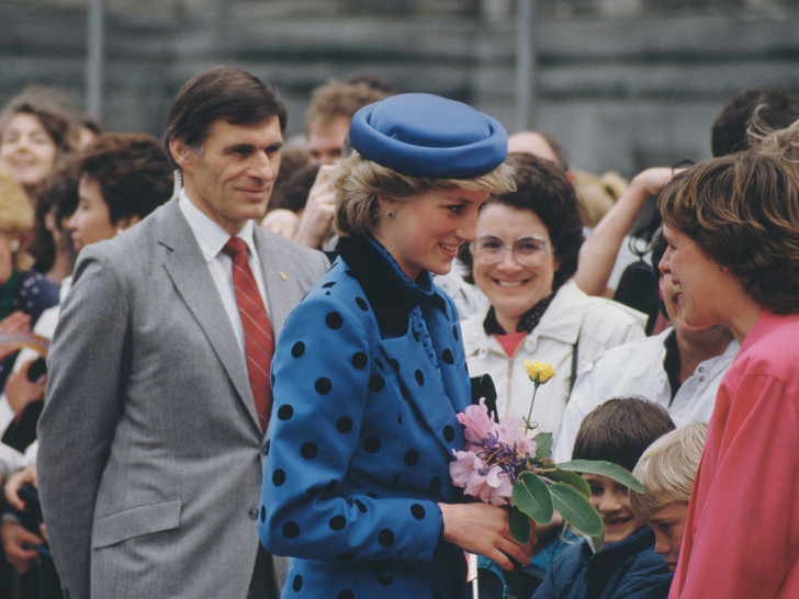 Фото №4 - Любимый предмет гардероба: как принцесса Диана носила жакеты и блейзеры— 30 вдохновляющих примеров