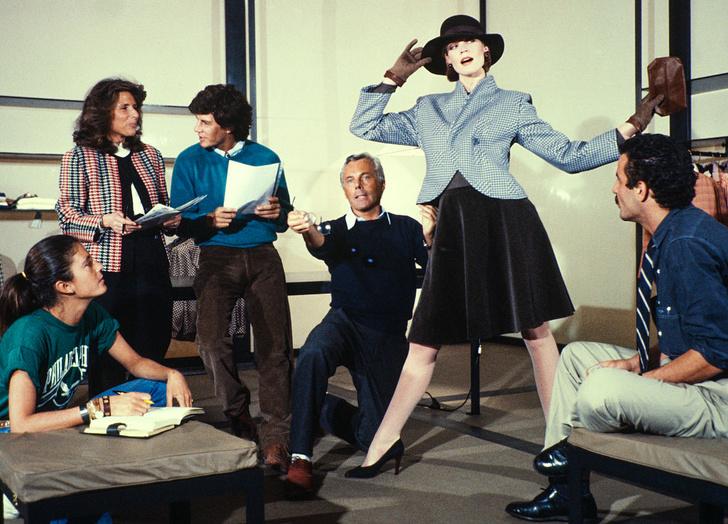 Фото №4 - «Элегантность не бросается в глаза, она остается в памяти»: 7 мифов о Джорджо Армани