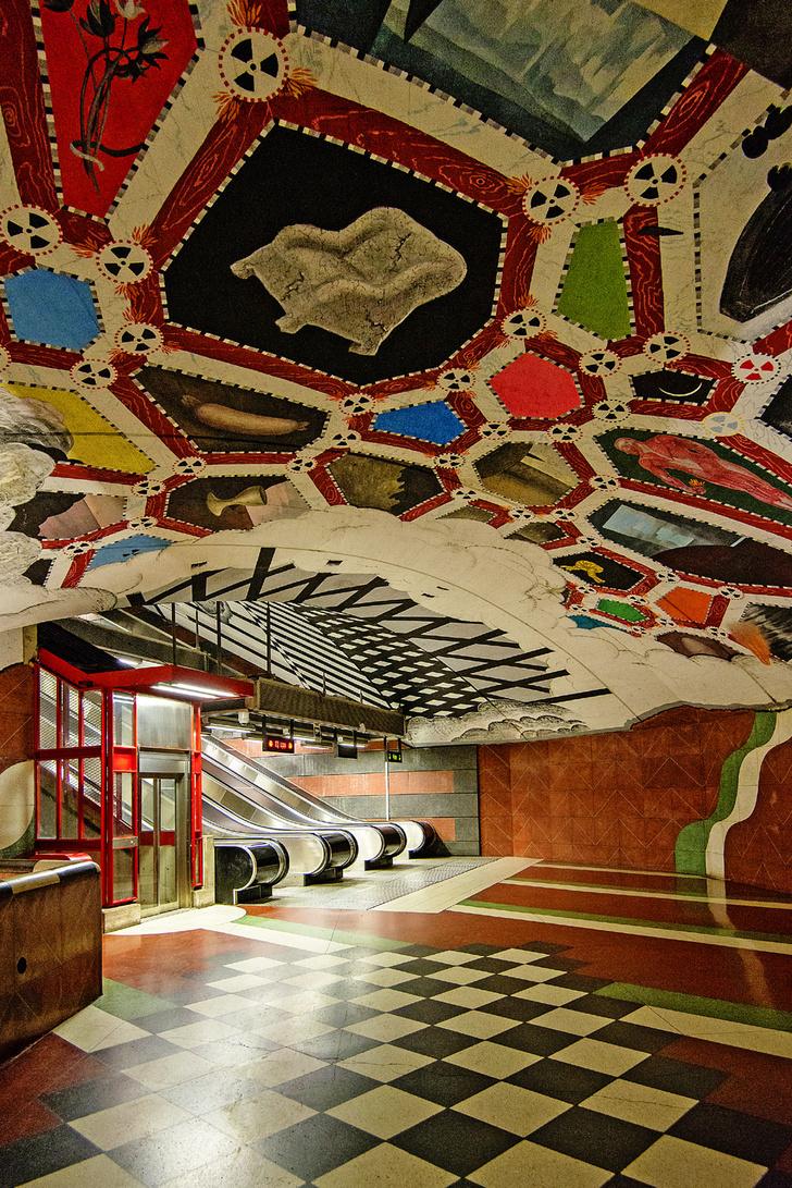 Фото №2 - Искусство андеграунда: 11 впечатляющих станций метро