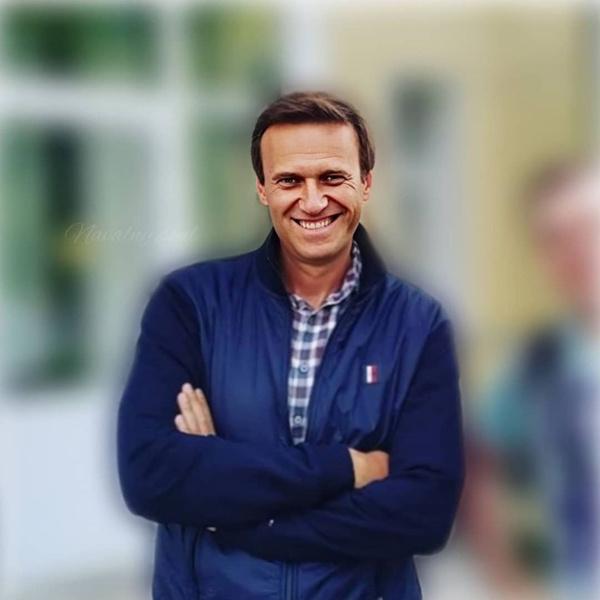 Фото №1 - Алексей Навальный впал в кому