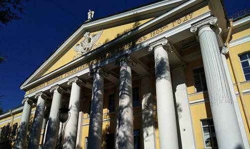 Фото №1 - В Мариинской больнице закрыли госпитализацию. В больнице Семашко готовятся открыть ее для пациентов с ковидом