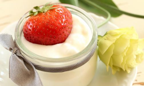 Фото №1 - Вместе с полезными бактериями и витаминами в йогуртах нашли кишечную палочку и следы хлоргексидина