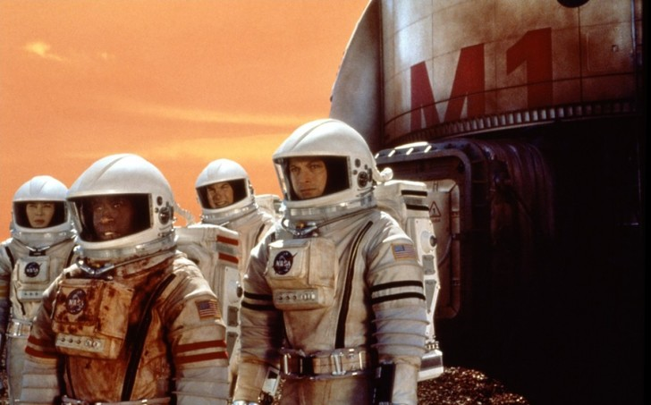 Фото №9 - 10 ляпов и ошибок из фантастических фильмов про космос
