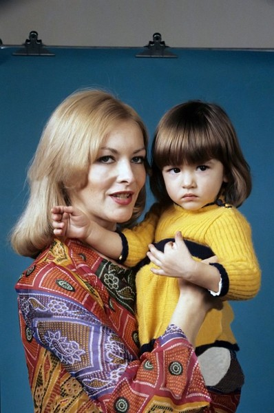 Барбара Брыльска с дочкой