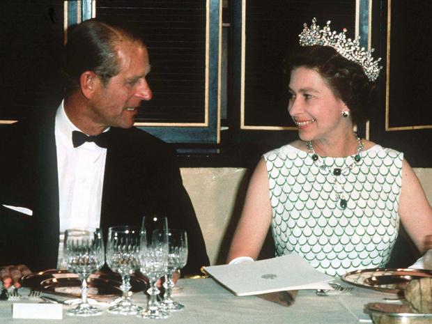 Фото №6 - Семейные узы: действительно ли Королева и принц Филипп родственники