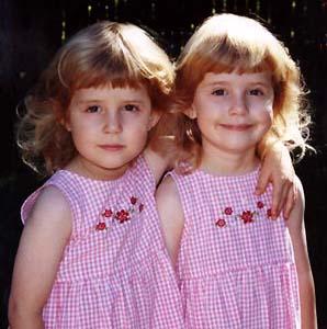 Фото №1 - В одной школе учатся 20 пар близнецов