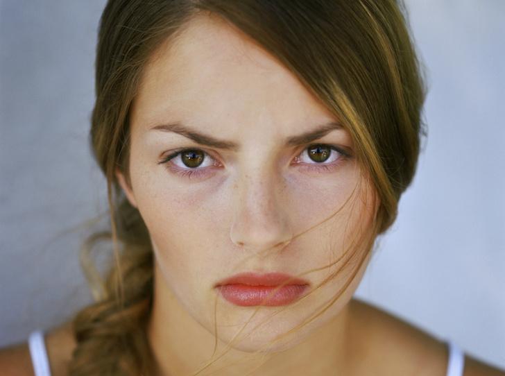 Фото №1 - Что такое синдром стервозного лица, и можно ли от него избавиться