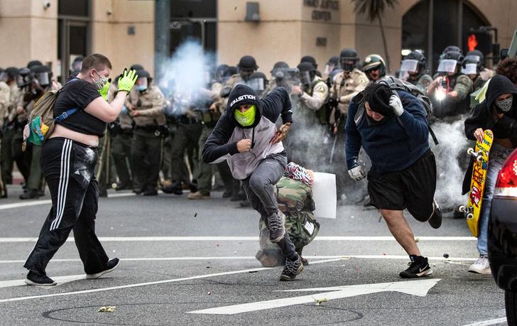 Фото №5 - Трамп пригрозил использовать вооруженные силы в борьбе с беспорядками