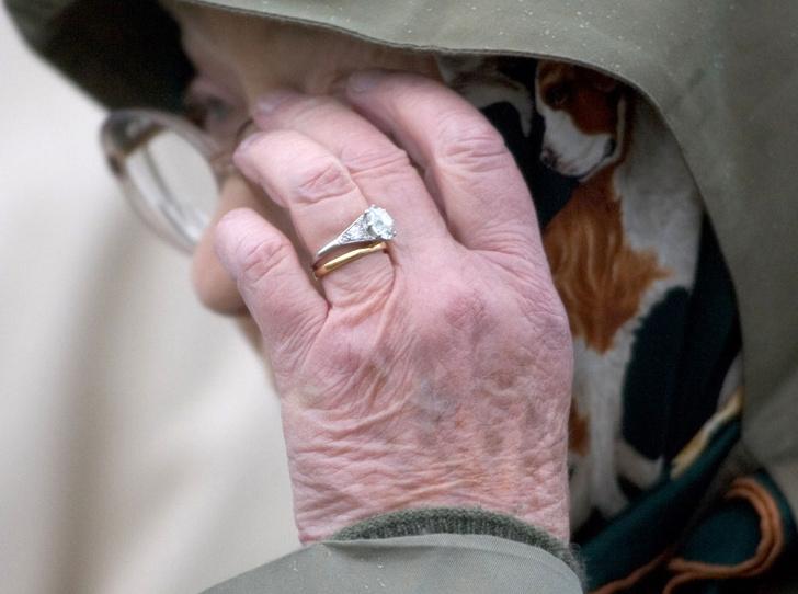 Фото №5 - Секреты помолвочного кольца Королевы Елизаветы