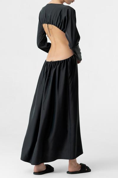 Фото №14 - Платье с открытой спиной: на работу, в отпуск и на летнее торжество