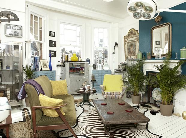 Фото №2 - Винтаж в интерьере: как не превратить квартиру в «бабушкин сундук»
