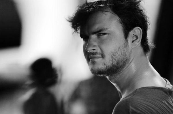 Фото №7 - Играя, сердце разбивают: двенадцать омских актеров-красавцев. Голосуем!