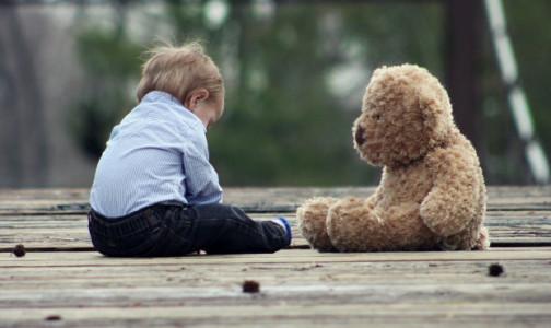 """Фото №1 - """"Калейдоскоп в умах"""": Почему детям вредно смотреть ролики в TikTok - мнение психолога"""