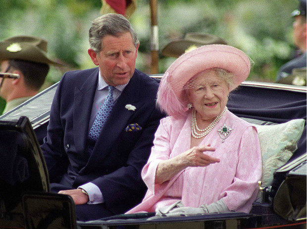 Фото №3 - Что общего у герцогини Камиллы и Уоллис Симпсон (и при чем здесь Королева-мать)