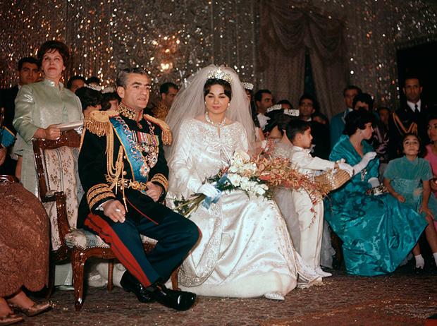 Фото №7 - Последняя императрица Ирана: «Они говорили, если я убью мужа, то смогу вернуться домой»