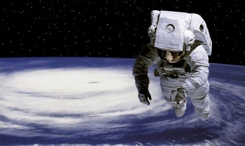 Фото №1 - Врачи больше учителей хотят полететь в космос