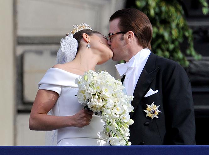 Фото №48 - Самые трогательные моменты королевских свадеб (о Гарри и Меган мы тоже не забыли)