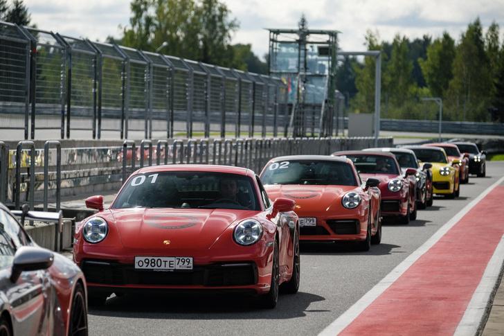 Фото №1 - Большой фестиваль Porsche прошел на Moscow Raceway