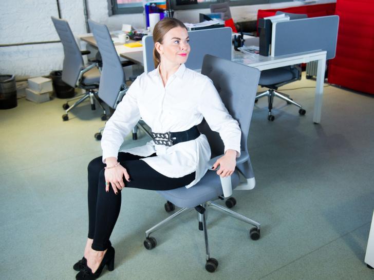 Фото №6 - Для самых занятых: разминка, которую можно делать, не вставая со стула (почти)