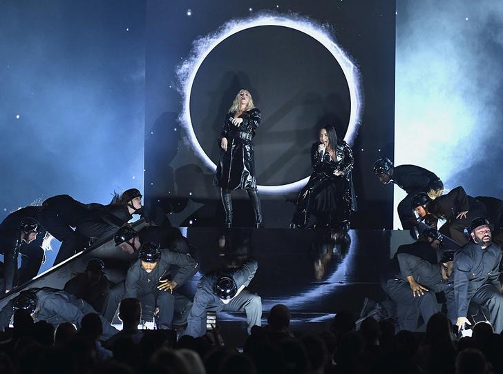 Фото №32 - Billboard-2018: Тейлор Свифт, Мила Кунис и другие на красной дорожке музыкальной премии