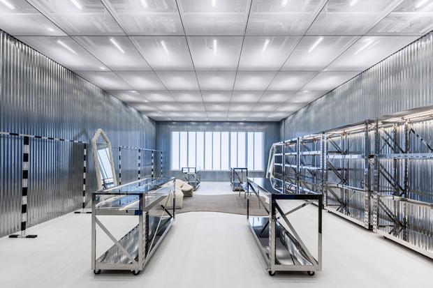 Фото №4 - Флагманский бутик Off-White по дизайну Вирджила Абло и AMO