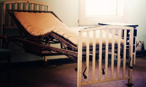 Фото №1 - Врачи рассказали, как и на чём лучше спатьзараженным новым коронавирусом, чтобы облегчить дыхание