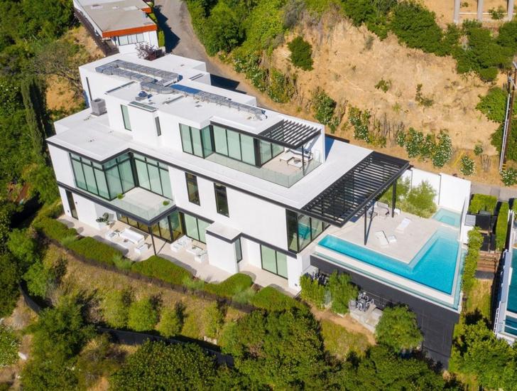 Фото №2 - Ариана Гранде покупает дом в Голливуде