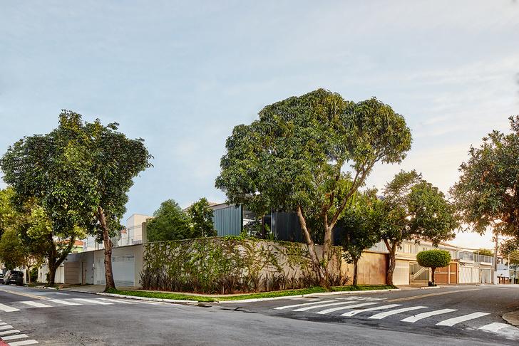 Фото №1 - Дом с раздвижными стенами в Сан-Паулу