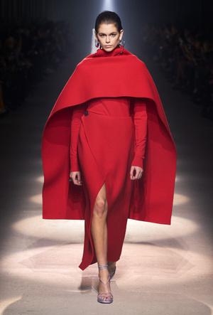 Фото №3 - Когда подруга – дизайнер: лучшие образы герцогини Меган в Givenchy