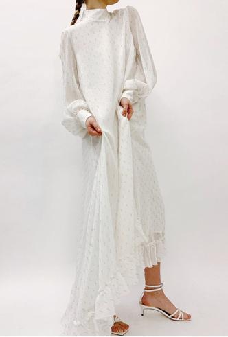 Фото №8 - Для дома и на выход: 10 платьев, которые пригодятся вам на карантине и после