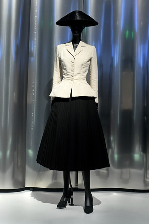 Жакет и юбка Christian Dior, 1947 год.