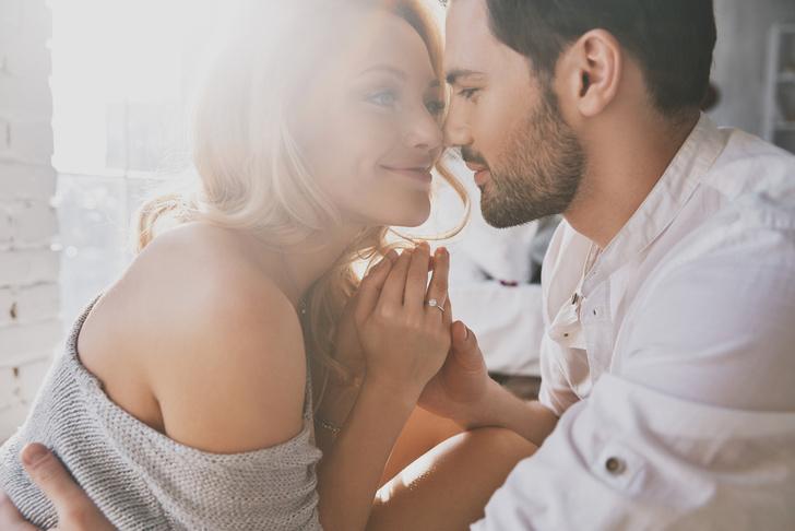 Фото №3 - Куда смотрит мужчина, когда женщина ему действительно нравится