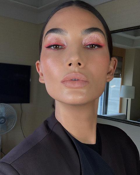 Фото №4 - Spring rose: как сделать нежный макияж в розовых тонах