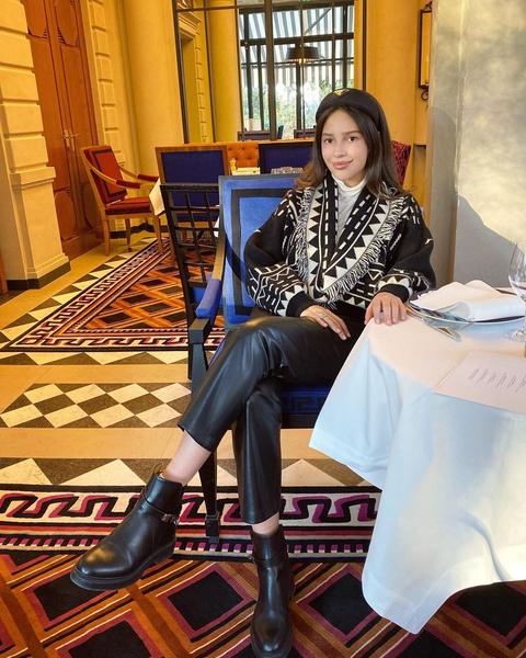 Фото №2 - Как на самом деле живет 20-летняя дочь российского миллиардера
