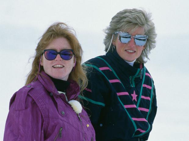 Фото №14 - Любимые солнцезащитные очки принцессы Дианы