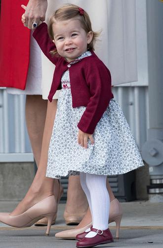 Фото №18 - Малыши-путешественники: первые зарубежные туры королевских детей