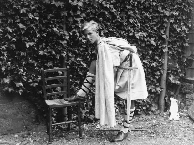 Фото №11 - Принц Филипп и его семья: как тяжелое детство сформировало характер супруга Елизаветы II