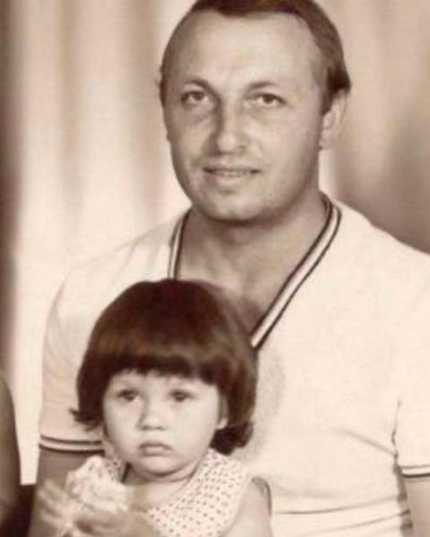 Фото №2 - Из-за прохладных отношений с мачехой Боня только сейчас узнала, что весной умер ее отец