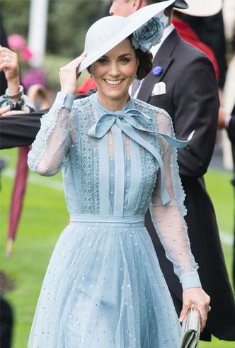 Фото №11 - Лучшие образы герцогини Кейт в 2019 году