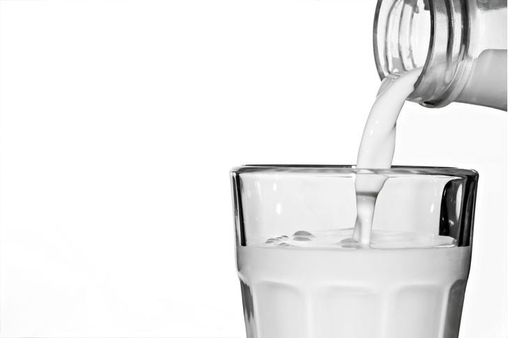 Фото №1 - Медики рассказали о пользе обезжиренного молока
