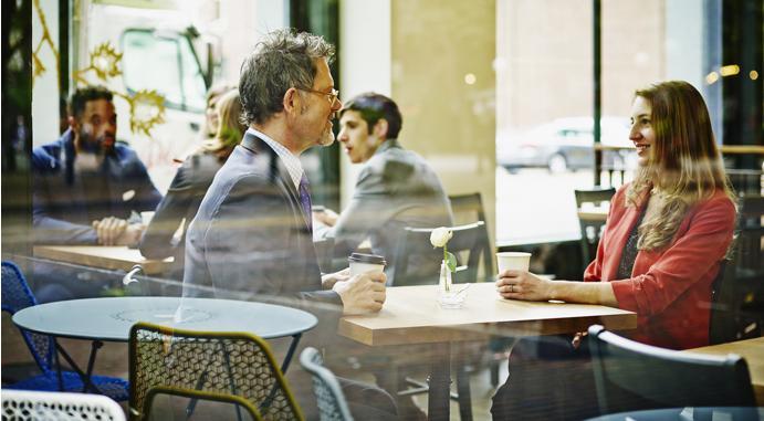 8 способов понравиться собеседнику на первой встрече