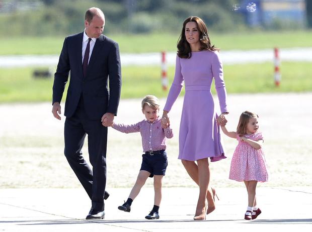 Фото №21 - Первые слезы Шарлотты: принцесса впервые показала характер
