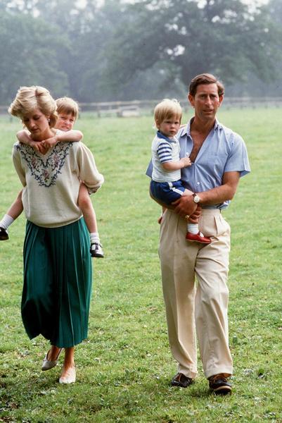 Фото №4 - Кого из королевской семьи принцесса Диана ненавидела больше всего